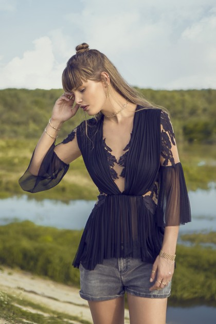 STYLISH LACE AND SILK TULLE BOHO BLOUSE