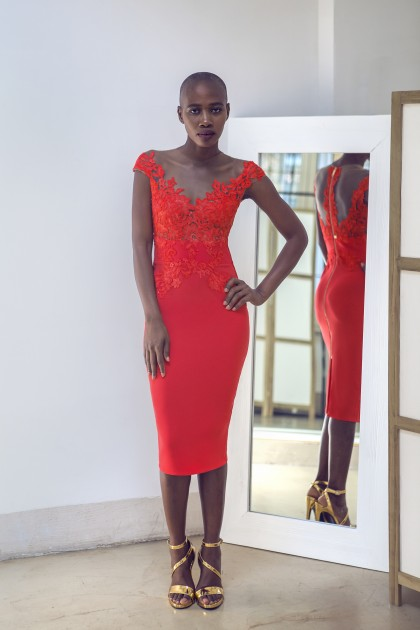 BODYCON LACE AND CREPE DRESS