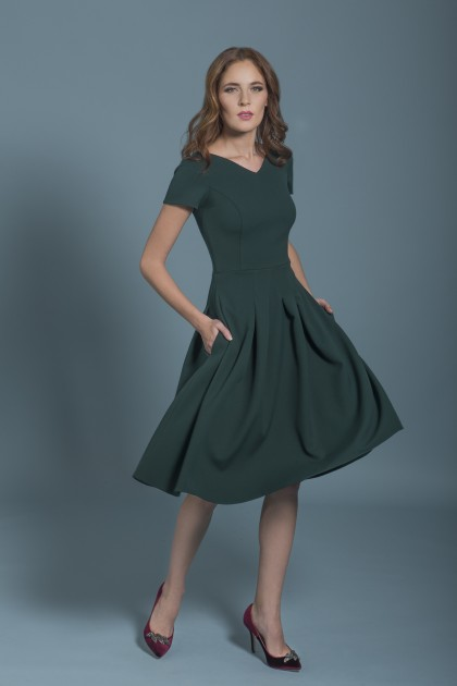 KNEE-LENGTH COCKTAIL DRESS