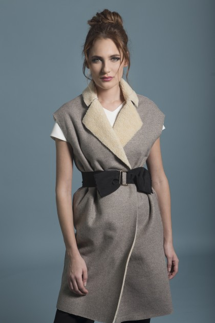 SLEEVELESS WOOL JACKET