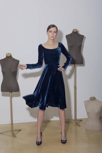A-LINE VELVET DRESS