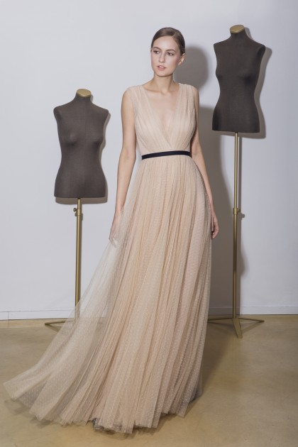 FLOOR-LENGTH TULLE GOWN