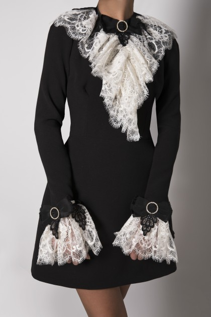 LACE JABOT WITH SWAROVSKI BOW