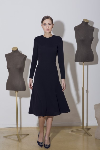KNEE-LENGTH CREPE DRESS