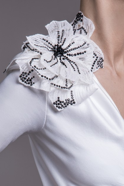 MAXI SWAROVSKI EMBROIDERED WHITE SILK FLOWER BROCHE