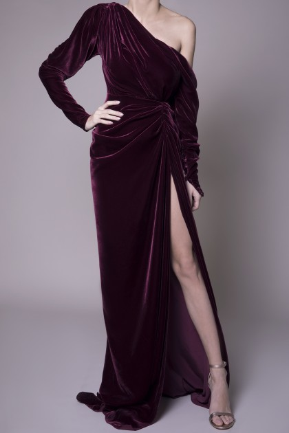 NAKED SHOULDER VELVET GOWN