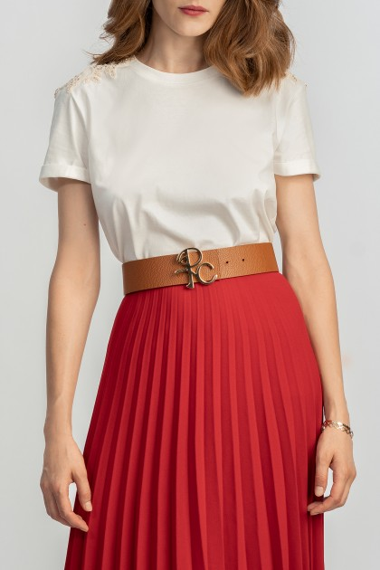 RICH EMBROIDERY CLASSICAL NECKLINE T-SHIRT