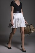 PLEATED SHORT CREPE SKIRT