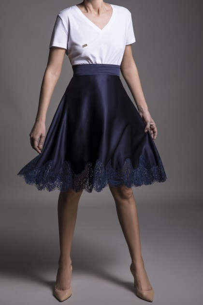 LACE INSERTION A LINE SKIRT