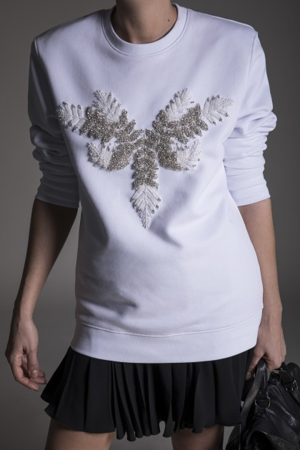 WHITE SWEATSHIRT WITH FRONT CRYSTAL EMBROIDERY