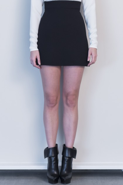 AESTHETIC CREPE SHORT SKIRT