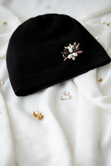 RICH SWAROVSKI EMBROIDERED CASHMERE BEANIE