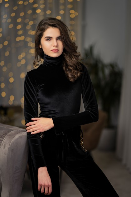 VELVET BODY TURTLENECK