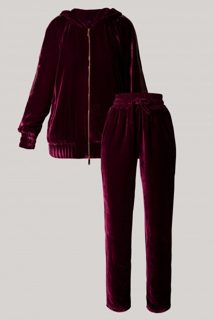 ELEVATED VELVET HOODIE & LOOSE-FIT VELVET PANTS SET