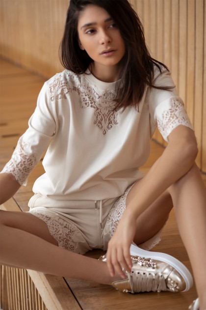 LACE INSERTS ELEVATED T-SHIRT