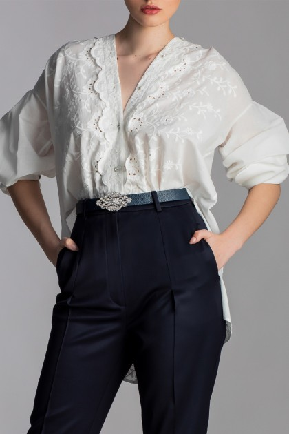EMBROIDERED LACE SHIRT WITH BIG BOW ON THE BACK